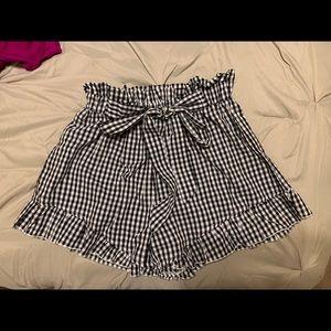 Bag style gingham shorts